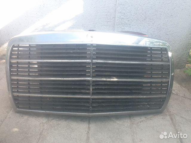 W123 передняя решетка