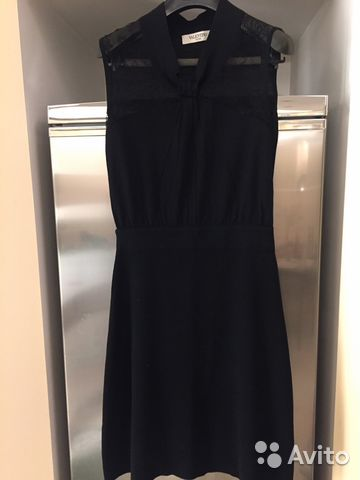 Платье Valentino оригинал шерсть купить в Москве на Avito ... 53c92ea3bae