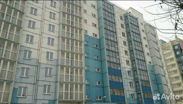 Продается двухкомнатная квартира за 1 896 000 рублей. Челябинская область, Копейск, улица Калинина, 17.