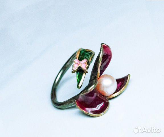 Кольцо из серебра с эмалью и жемчугом
