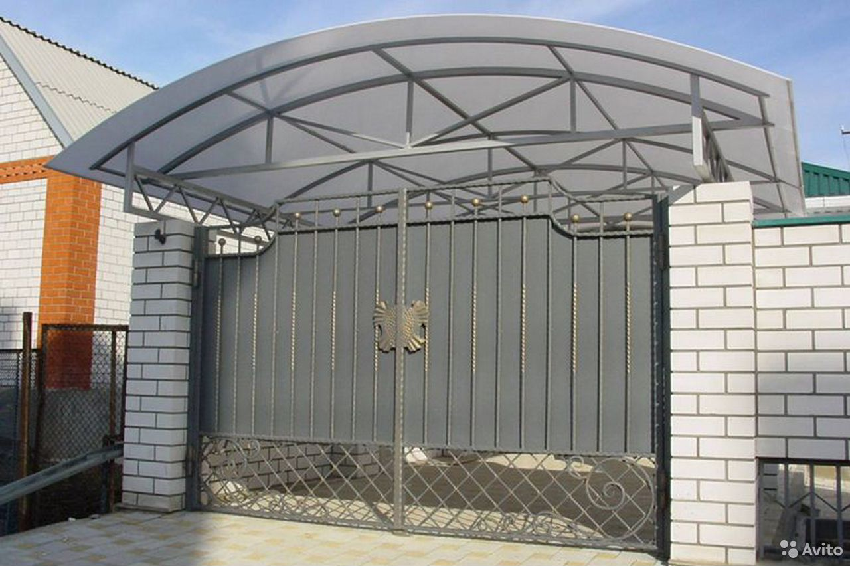 Изготовление металлических дверей. Врезка замков  89086185569 купить 2