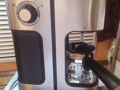 Кофеварка рожковая Redmond RCM-1524