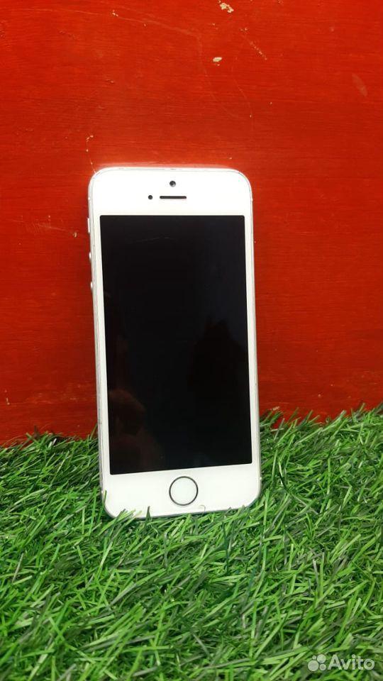 Смартфон iPhone SE